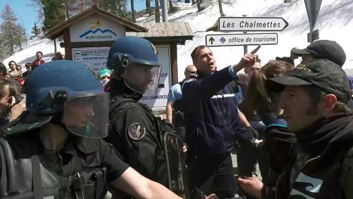 Hautes-Alpes: six gardes à vue après l'entrée de migrants dimanche