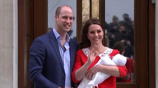 Kate et William présentent leur petit garçon au monde