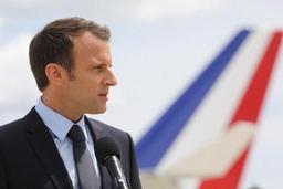 Le président français Macron s'offre une petite visite impromptue à Washington