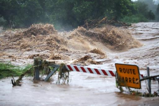 Tempête tropicale Fakir à La Réunion: deux morts dans une coulée de boue