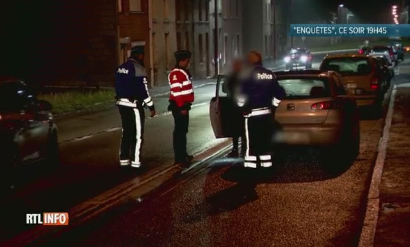 Contrôlée par la police, cette conductrice est incapable de faire une marche arrière