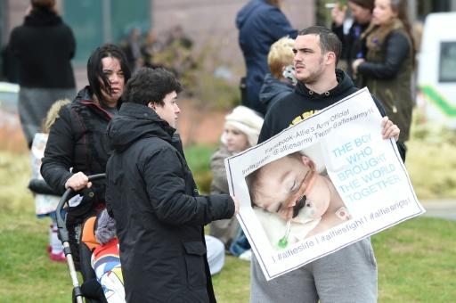 La justice britannique rejette un nouveau recours des parents du petit Alfie