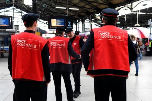 Réforme SNCF: le gouvernement doit aller au bout pour une majorité de Français