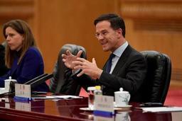 Impôt sur les dividendes aux Pays-Bas: l'opposition déchaînée contre Rutte