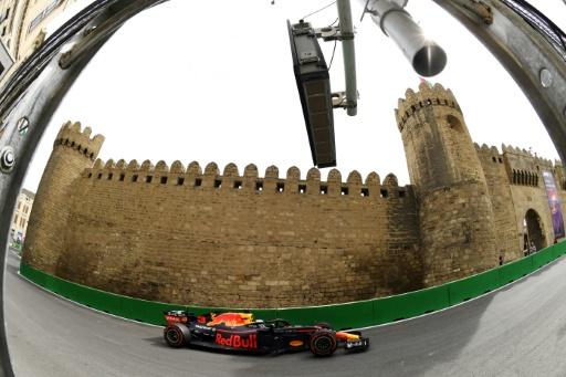 GP d'Azerbaïdjan: Ricciardo meilleur temps des essais libres 2