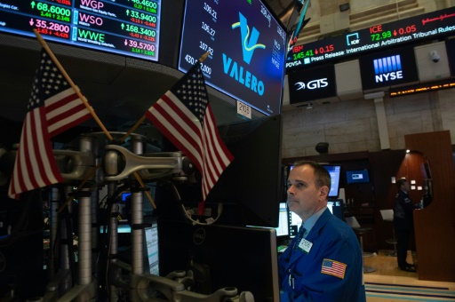 Wall Street finit sans direction, salue Amazon mais sanctionne ExxonMobil