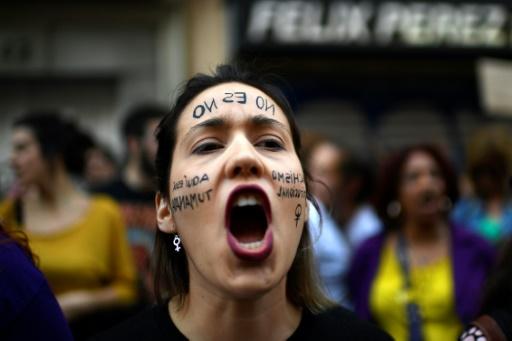 Espagne: pétition massive contre les juges ayant disculpé de viol