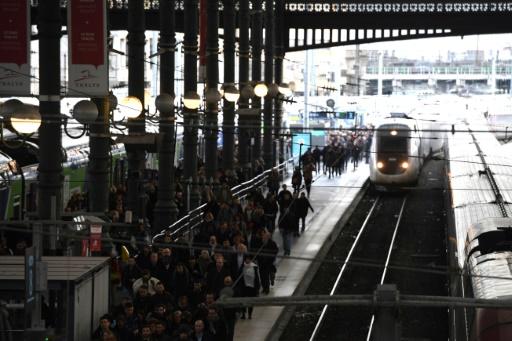 SNCF: le soutien des Français à la grève continue de fléchir