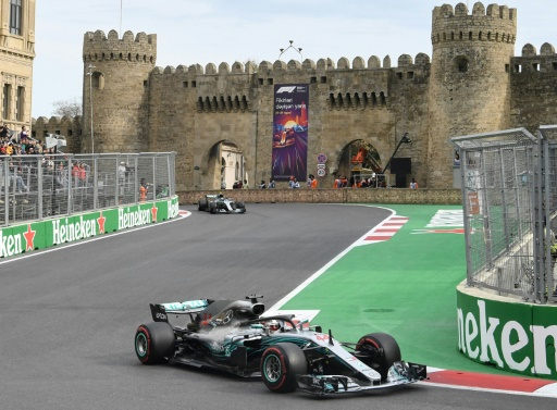 GP d'Azerbaïdjan: Hamilton (Mercedes) vainqueur chanceux et leader devant Vettel (Ferrari)
