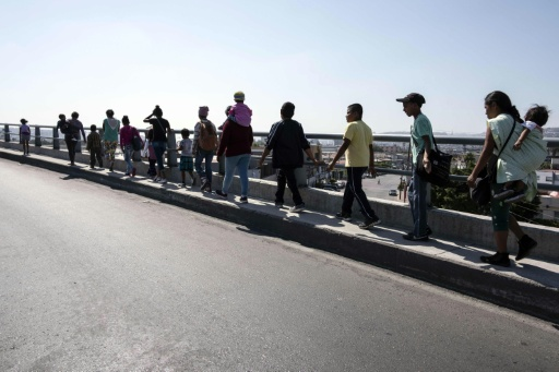Au moins 150 migrants à Tijuana, à la frontière Mexique-USA