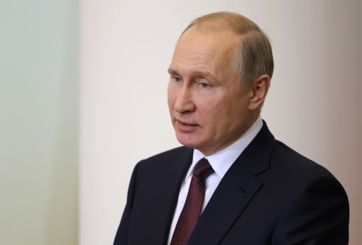 Nucléaire iranien: Macron réclame des discussions, Poutine veut sa