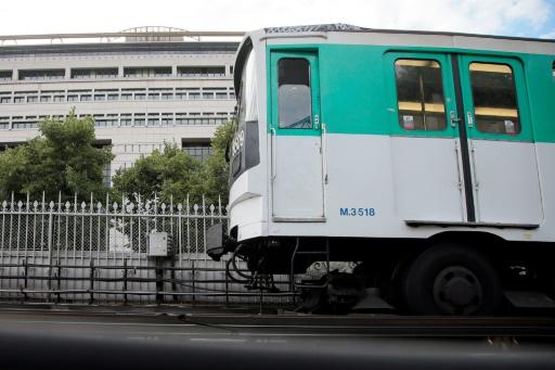 Le métro de Paris va progressivement passer au bleu