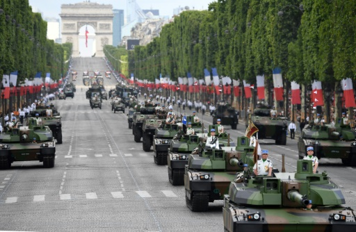 Dépenses militaires: la France rétrograde à la 6e place