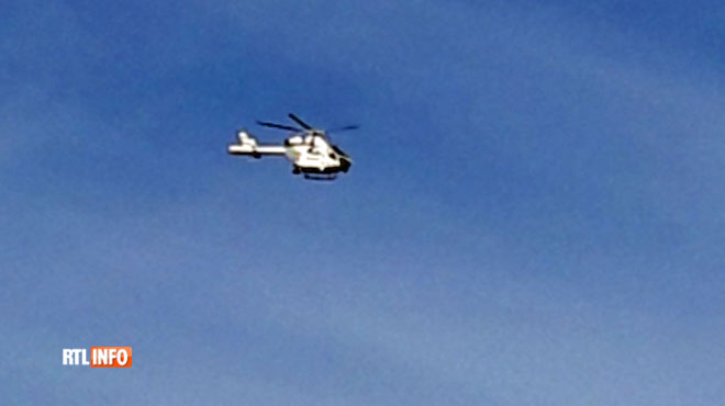 Un hélicoptère et des policiers déployés en nombre entre Seraing et Liège après un braquage