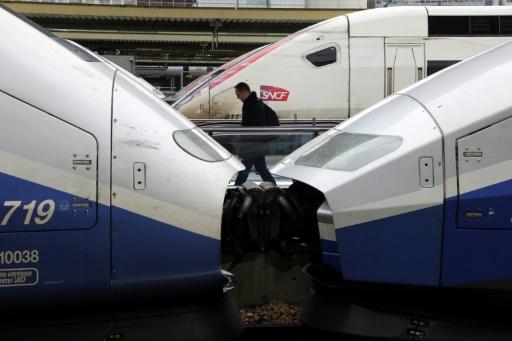 SNCF: Martinez veut des précisions sur la reprise de la dette le 7 mai à Matignon