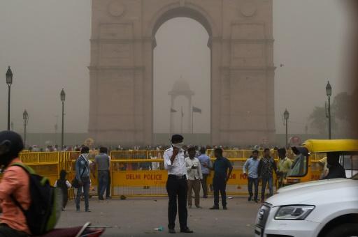 Tempête en Inde: le bilan s'alourdit à 98 morts (officiel)