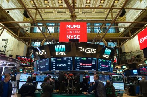Wall Street lestée à l'ouverture par des résultats décevants