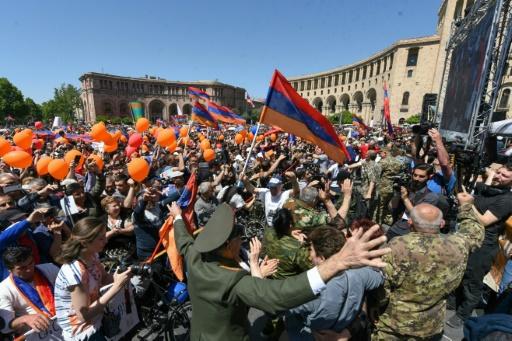 Arménie: Nikol Pachinian, l'ancien journaliste résolu à devenir Premier ministre