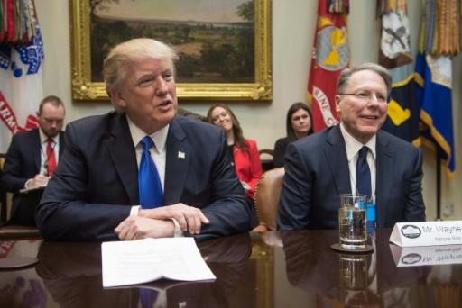 Donald Trump devant la NRA pour soutenir le lobby pro-armes
