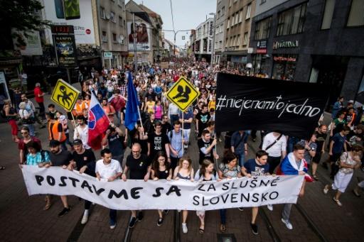 Manifestations en Slovaquie pour des élections anticipées et la liberté des médias
