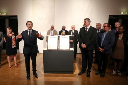 Macron remet à la Nouvelle-Calédonie les actes de prise de possession par la France