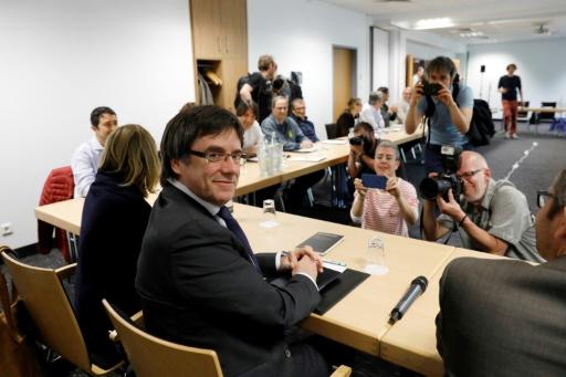 Catalogne: les séparatistes préparent un baroud d'honneur à Puigdemont