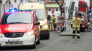 Incendie dans un immeuble à appartements à Mouscron: les habitants obligés de sauter dans le vide pour se sauver