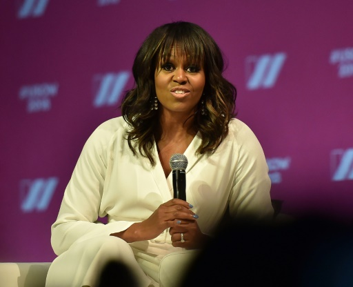 Michelle Obama appelle les femmes à ne pas attendre la candidate miracle