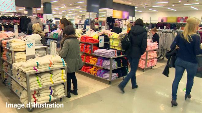 Le vigile d'un magasin de vêtements de Liège repère un individu suspect: l'homme venait de voler plusieurs autres commerces