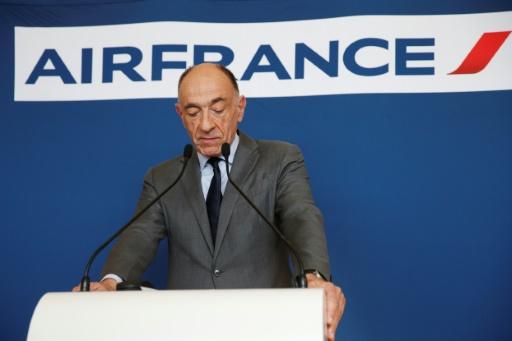 Le gouvernement français hausse le ton dans le conflit à Air France