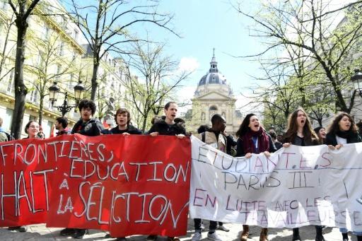 Sorbonne Université: les étudiants votent pour la levée des blocages