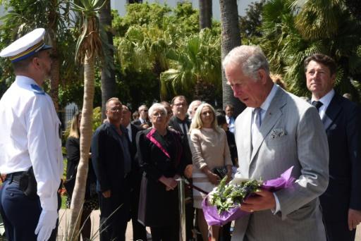 En visite à Nice, le prince Charles rend hommage aux victimes de l'attentat du 14-Juillet
