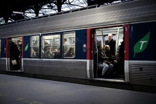 Grève SNCF: 50% des TGV, TER et Transilien circuleront mercredi