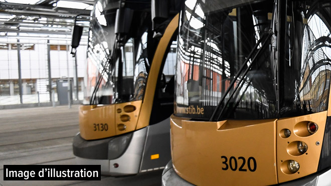 Collision entre un tram et une voiture à Bruxelles: trafic interrompu entre les arrêts Eurocontrol et DaVinci