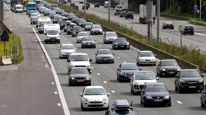 Accidents sur la E40 vers la Côte: la chaussée à nouveau libre mais il y a encore des ralentissements