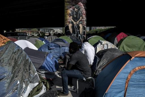 Migrants à Paris: le ton monte entre Hidalgo et l'exécutif après une noyade