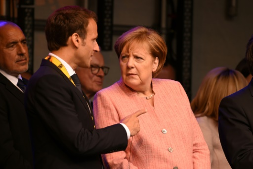 Macron critique le
