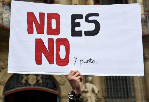 Espagne: lycéennes et étudiantes manifestent contre
