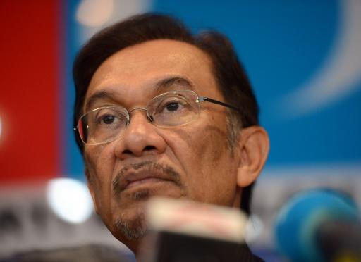 Malaisie: le roi a accepté de gracier l'opposant Anwar immédiatement