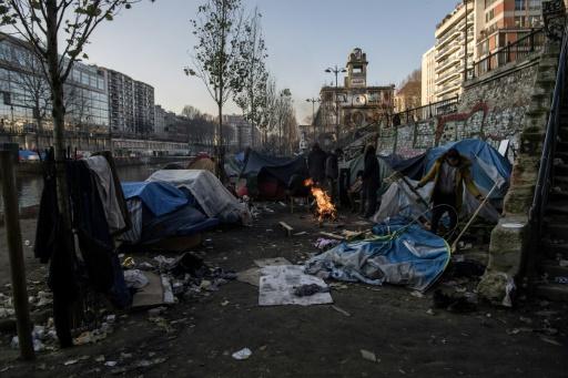 Migrant noyé à Paris: le maire adjoint au logement fustige l'attitude de l'Etat
