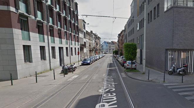 Un enfant de 9 ans a été heurté à la tête par un tram à Laeken: un piéton l'a retiré de sous le véhicule