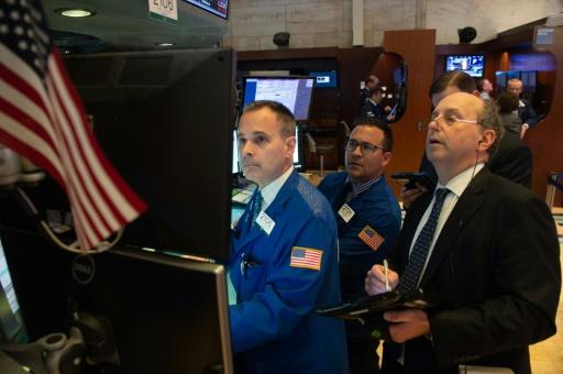 Wall Street, au terme d'une semaine solide, termine en ordre dispersé