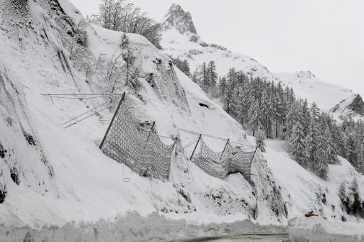 Alpes: le corps d'un randonneur mort dans une avalanche en mars retrouvé