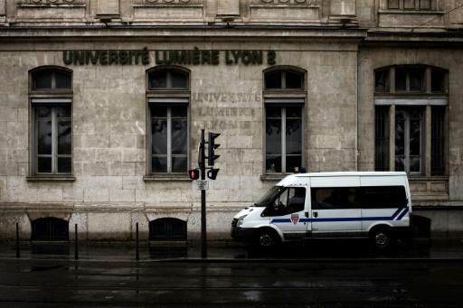Mouvement contre la loi Vidal: après les occupations, le blocage des examens