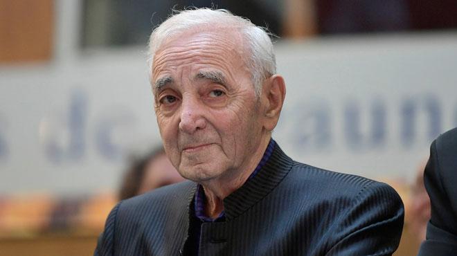 Charles Aznavour quitte l'hôpital après sa fracture de l'humérus