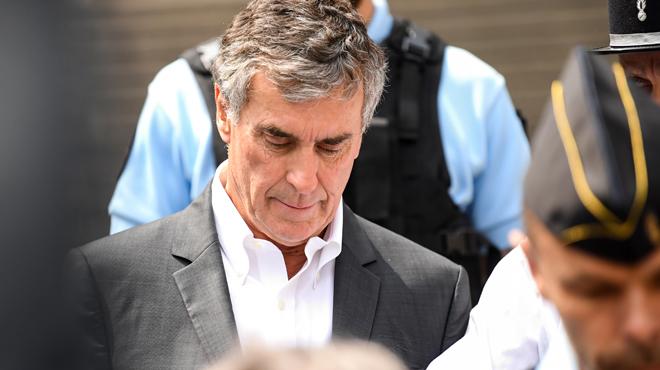 L'ancien ministre français Jérôme Cahuzac condamné à 4 ans de prison: il devrait cependant éviter d'aller derrière les barreaux