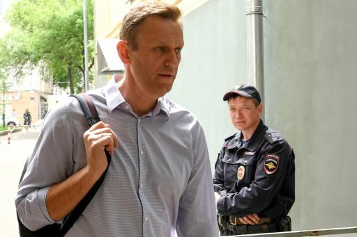 L'opposant russe Navalny retourne en prison