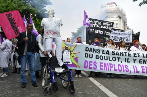 Hôpital: 600 manifestants à Paris pour la