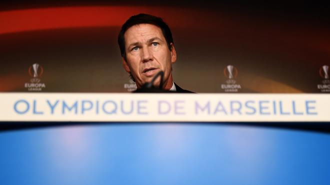 Payet sort sur blessure et fond en larmes — Ligue Europa