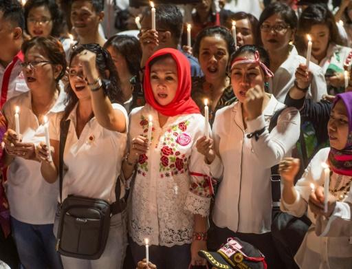 Indonésie: nouvelle attaque contre la police après des attentats suicide